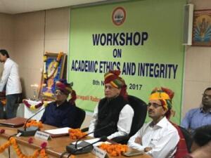 Dr. Sarvepally Radhakrishan Rajasthan Ayurved University, Jodhpur 08/11/2017 Emerging Cyber Threats & Their Solutions